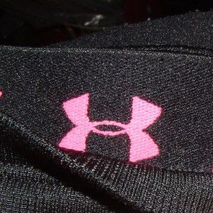 Under Armor  Breast Cancer Awareness yoga active